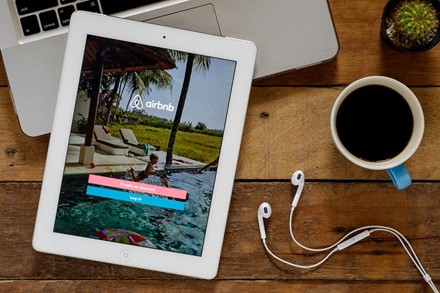 What Can Senior Living Learn from Airbnb